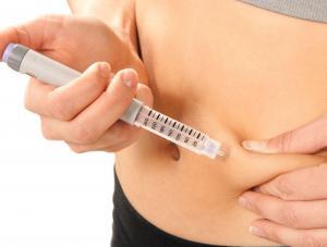 1970246-cukrzyca-insulina-zastrzyk-300-227