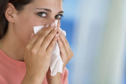 0809_sneeze-blow-nose-sick-flu_bd