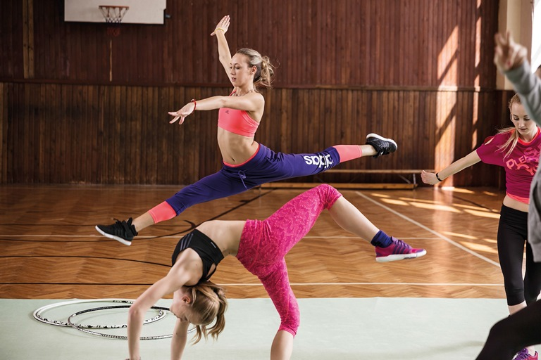 29-+H10011_TR_Womens_FW13_Yoga_Training_Dance_KEY_09-Kopia