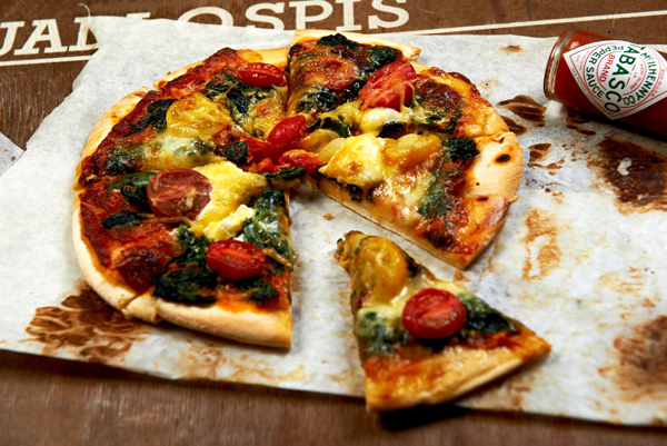 Domowa_pizza_z_TABASCO