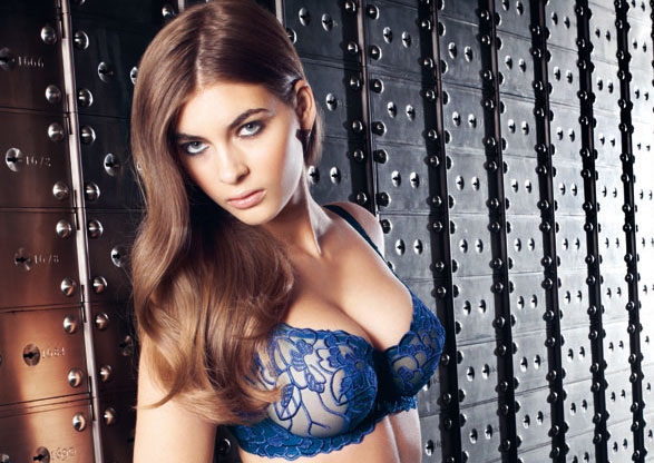 fauve_bielizna_wizerunkowe_chloe-electric-blue-underwired-vertical-seam-bra-0311-short-0316