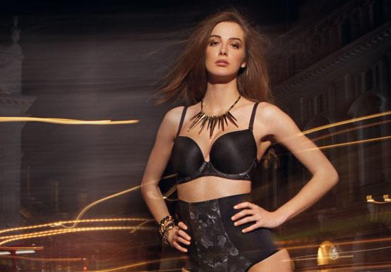 freya_bielizna_deco-shape-black-underwired-moulded-multiway-bra-1464-highwaisted-brief-1465-consumer