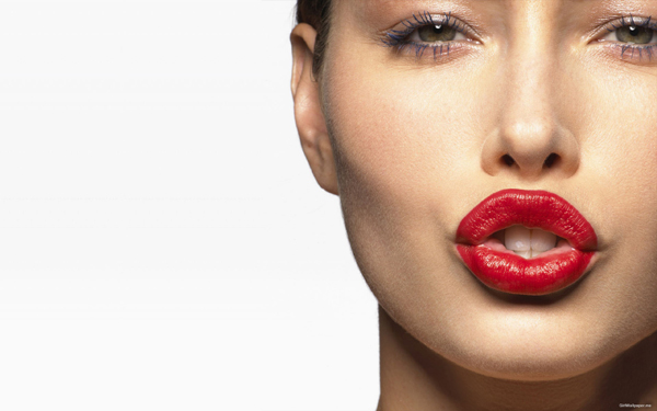 Jessica-Biel-Red-Lipstick-2560x1600-31353