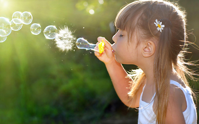 Brunettes-Women-Kids-Soap-Little-Bubbles-Widescreen-Bubble-HD-Background