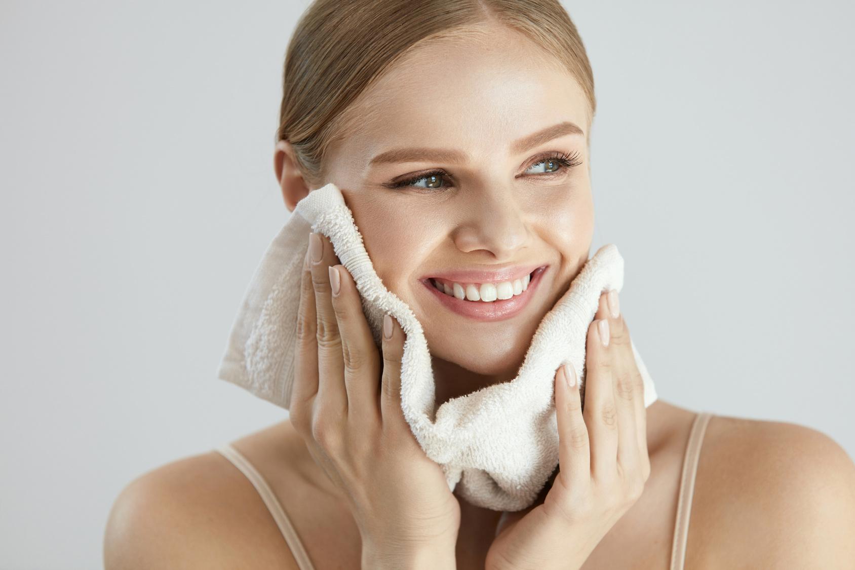 Żel micelarny – mycie ipielęgnacja skóry twarzy